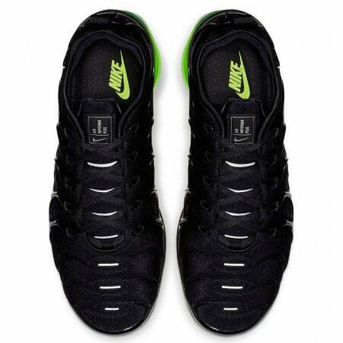Кроссовки Nike AIR VAPORMAX PLUS (Цвет Black-Reflect Silver-Volt)