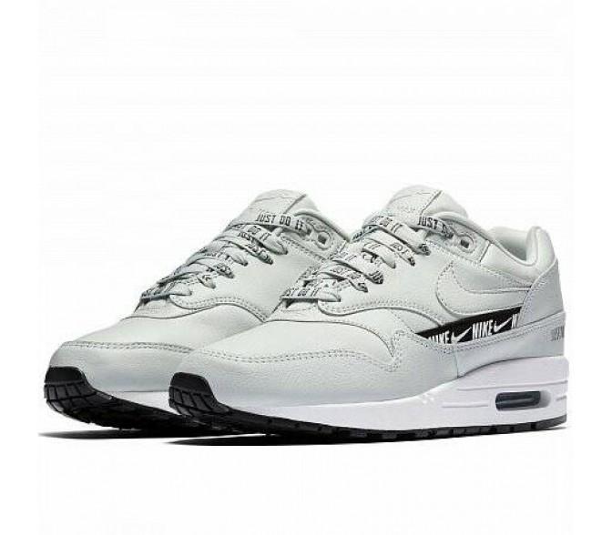 Кроссовки Nike AIR MAX 1 SE (Цвет Light Silver-Black-White)