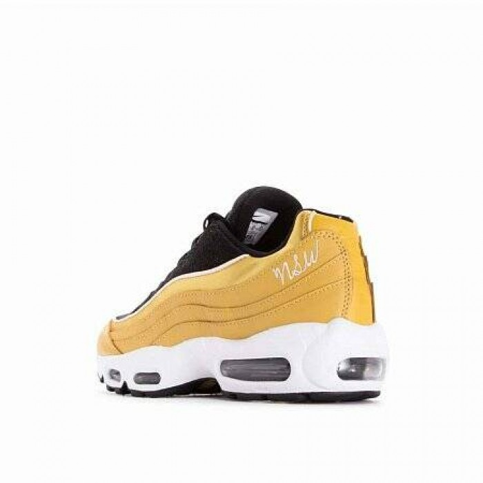 Кроссовки Nike AIR MAX 95 LUX (Цвет Wheat Gold-Wheat Gold-Black-Guava Ice)