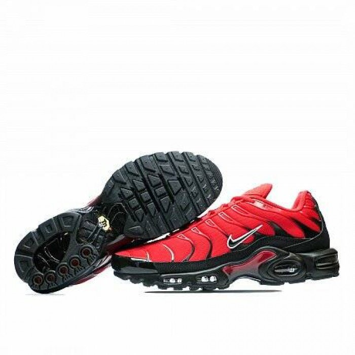 Кроссовки Nike AIR MAX PLUS (Цвет University Red-Black-White)