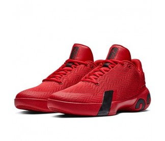 ULTRA FLY 3 LOW (Цвет Gym Red-Black)