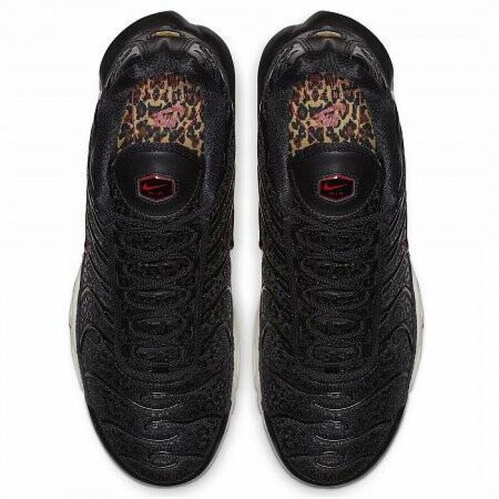 Кроссовки Nike AIR MAX PLUS PREMIUM (Цвет Black-University Red)