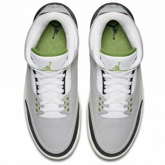 Кроссовки Jordan AIR JORDAN 3 RETRO (Цвет Lt Smoke Grey-Chlorophyll-Black-White)