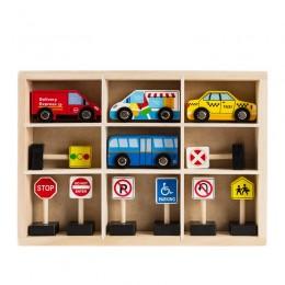 Набор деревянных дорожных знаков и автомобилей